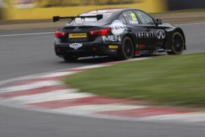 Paras impress on Brands Hatch BTCC debut